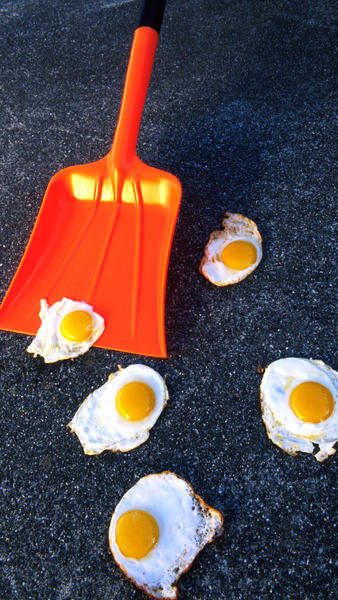 Sidewalk_Egg_Frying_Day